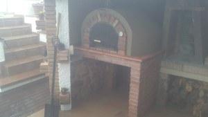 Forn de fang a una masía Horno de barro en una masia